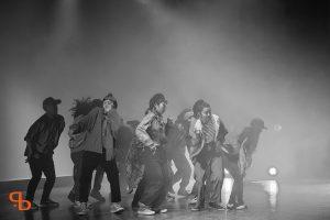 ドットカラーのロックダンス
