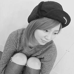 ドットカラー講師の桃坂美穂